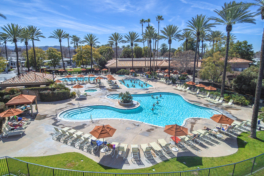 Sunland RV Resorts is the perfect choice for traveling to